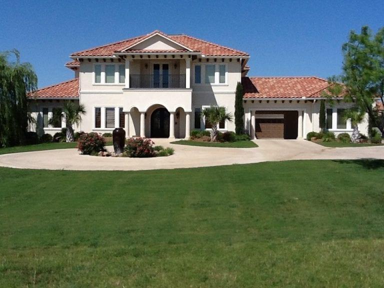 spanish-style-stucco-home-04